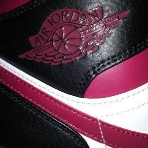 Air Jordan 1 'Noble Red'